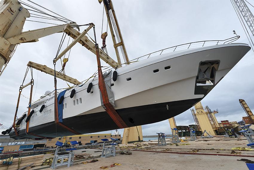 YACHT SHIPPING DUBAI